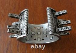 Ancien Bracelet Ethnique Argent Massif OULED NAÏL. Vintage Ethnic Silver Bangle
