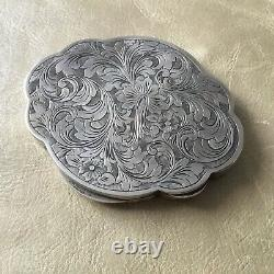 Boîte Poudrier en Argent Massif Ciselé Décor Floral Ancien Solid Silver Box