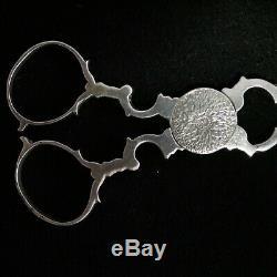 Pince à sucre en forme de ciseaux. France 18eme s. Argent Massif Solid silver